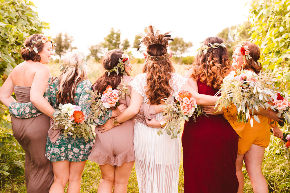 boho-bride-tribe-styled-shoot-will-you-be-my-bridesmaid-dinner-on-the-farm-26-photo.jpg