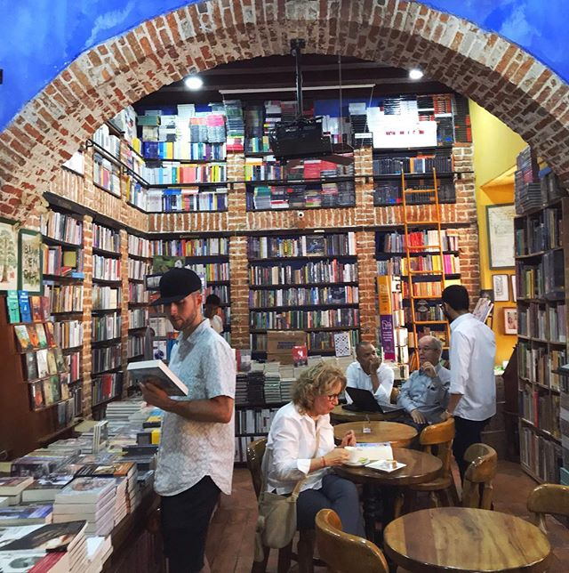"""We walked into this book/coffee shop 3 out of the 5 days were were in Cartagena. The shop is beautiful and the """"librarian"""" most helpful. I loved finding this gem in the middle of the Walled City. #bookstore #cartagena #colombia #bookstagram #lomejordecolombia"""
