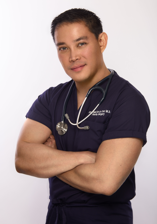 Houston-Plastic-Surgeon-Emmanuel-De-La-Cruz-MD-in-The-Woodlands1.png