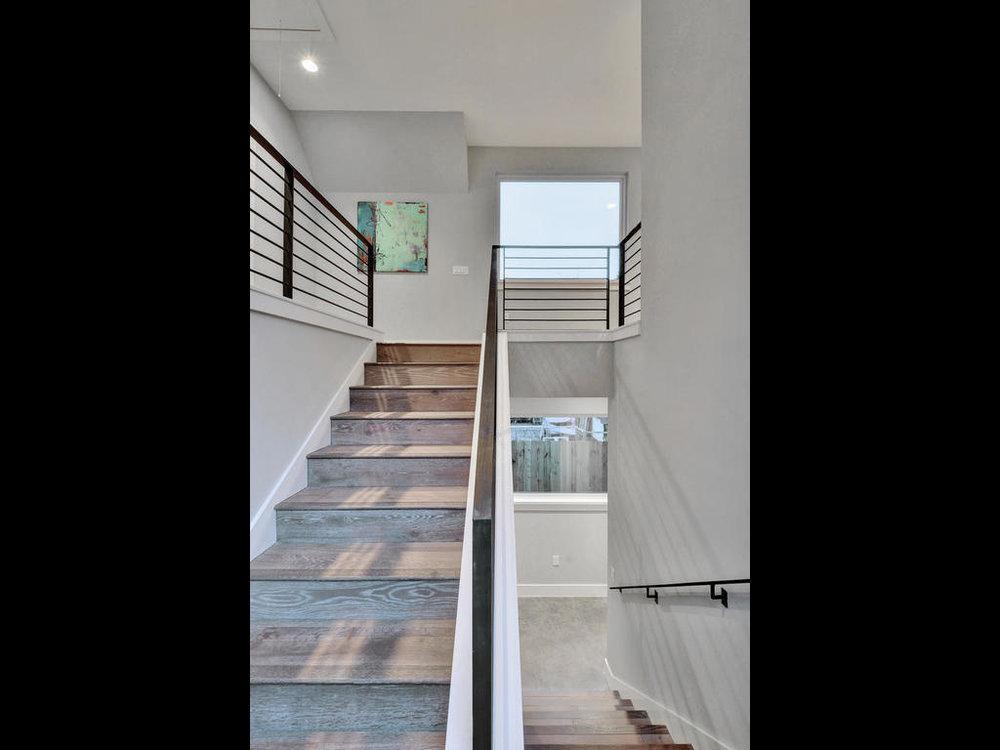 1506 W St Johns Ave-MLS_Size-029-7-Stairway-1024x768-72dpi.jpg