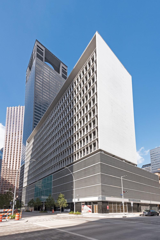 Americana Building (1957, 1961, Lloyd & Morgan) /photo by Jim Parsons