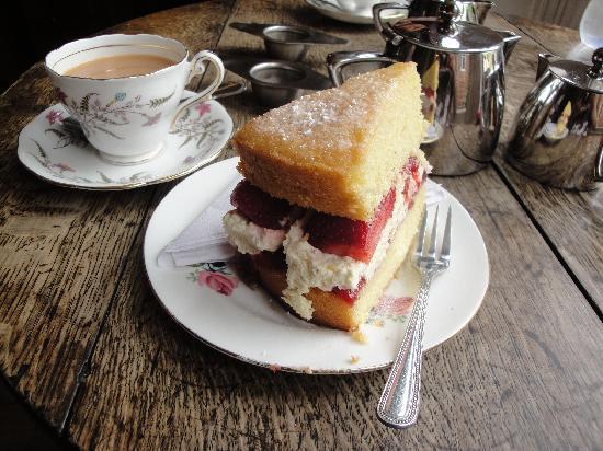 scrummy-cake-and-tea.jpg