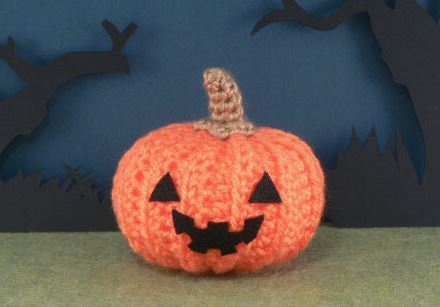 crochet pumpkin.JPG