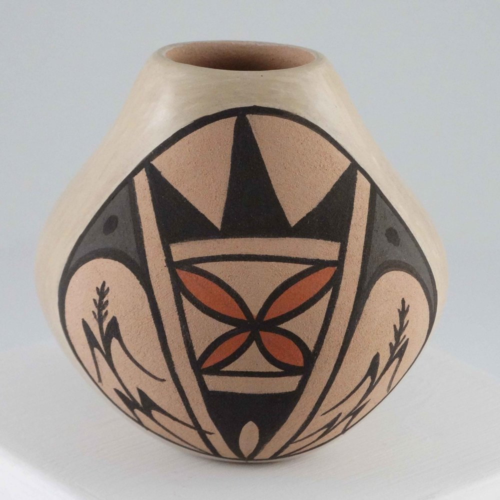 Pottery Jar by S. Teresa Fragua (click to enlarge)