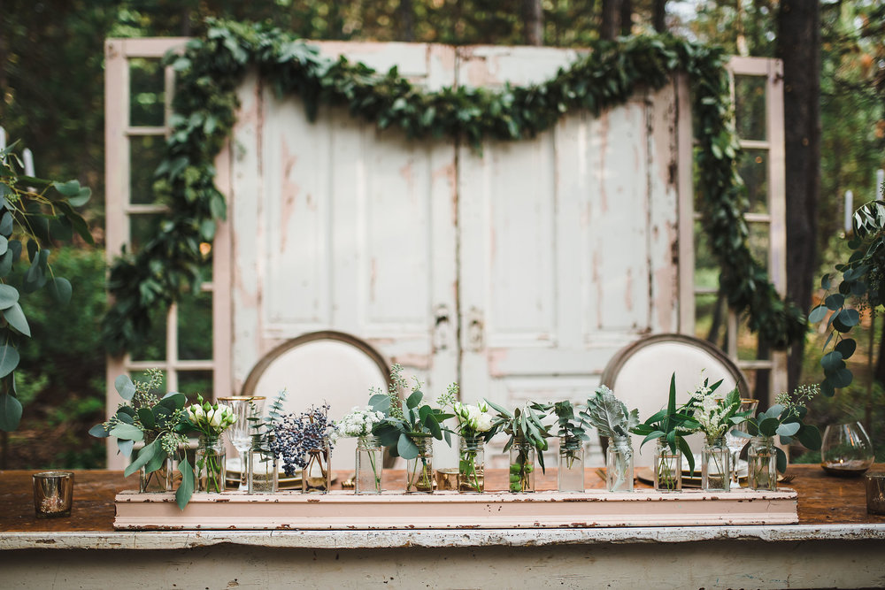 CRUSHING ON BLUSH! - Sometime's the most beautiful settings are the unintentional ones. We're obsessed with natural chippy wood and you can see why!