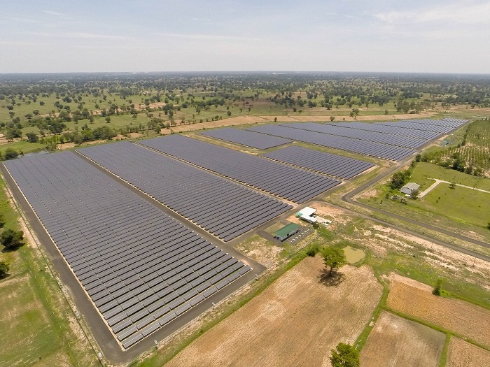 At    Solstice  we have the capacity to design and implement large scale solar farms (10s to 100s of MW), which supply power at the utility level, rather than to local or individual users.They are similar to centralized power stations with the ability to generate electricity for large energy demand. They usually include large central inverters and transformers.