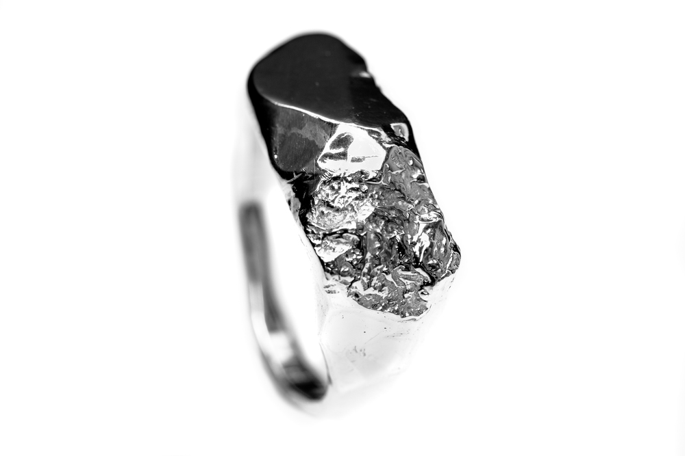 CONTRAST GALCIER RING HIGH.jpg