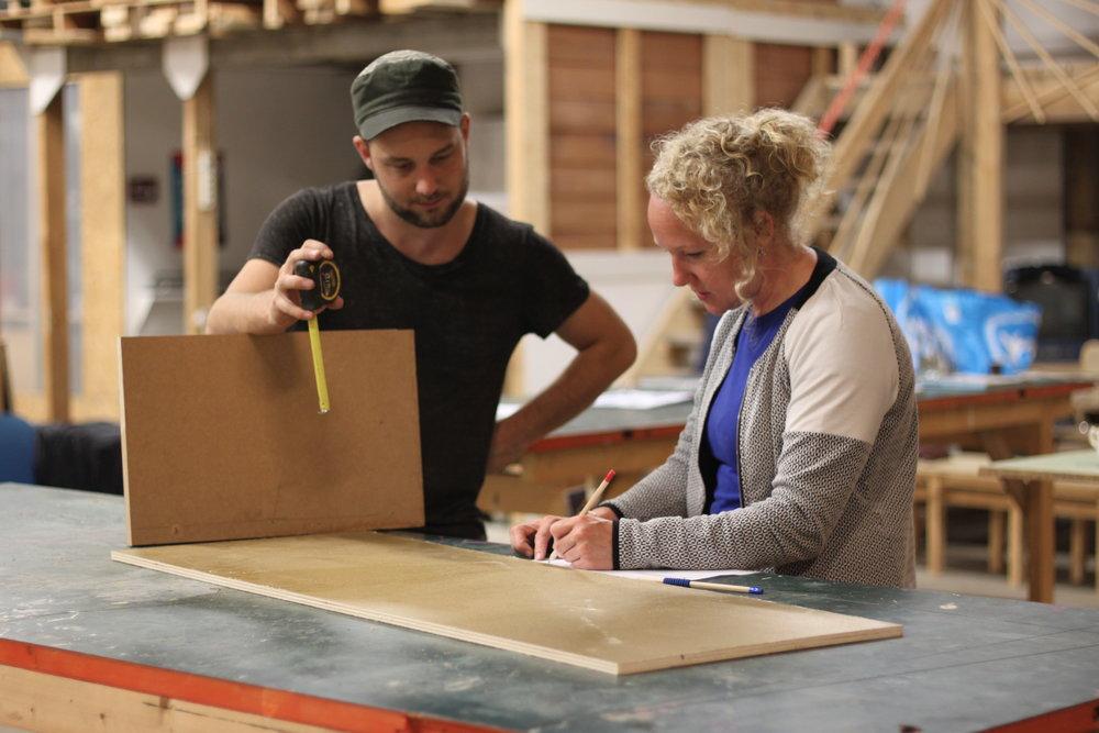 Cursus Meubelmaken voor Beginners - Dit is de ideale instapcursus voor iedereen die graag wil leren doe-het-zelven. Tijdens de cursus gaan we aan de slag met het maken van een klein kastje.