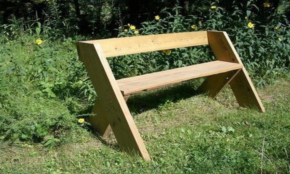Bouw je eigen bank - Een eenvoudig bankje met een grappig ontwerp, daar heb je wel een plek voor toch? Leuk voor in de tuin, een handig gangmeubel of maak er een koffiestek van naast je voordeur!