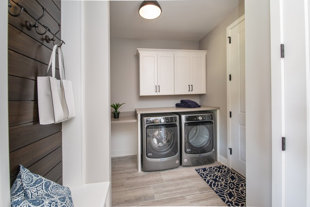 6 11 2018 WR-01-17-Lily_Laundry and Mudroom_Shiplap Bench_Ceramic Tile-min.JPG