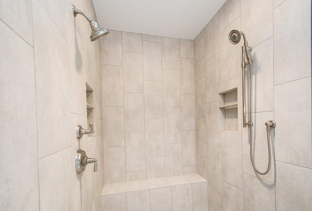 6 11 2018 WR-01-17-Lily_Owner's Bath_Cermic Tile_Bench-min.JPG