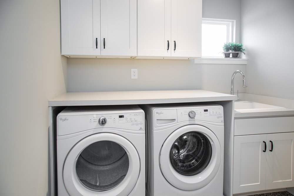 6 25 2018 TW-01-23-Anthracite_Laundry_White Cabinets-min.JPG