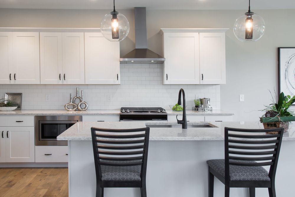 6 25 2018 TW-01-23-Anthracite_Kitchen_Pendants_White Cabinets-min.JPG