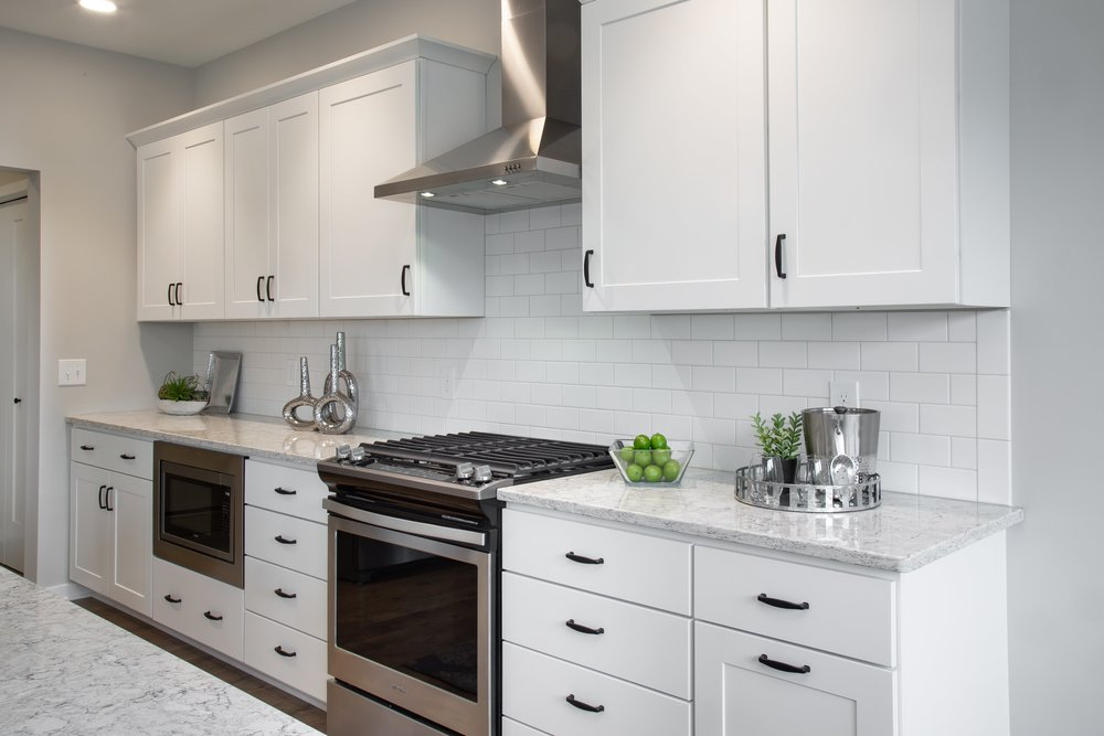 6 25 2018 TW-01-23-Anthracite_Kitchen_White Cabinets_Subway Backsplash_Quartz-min.JPG