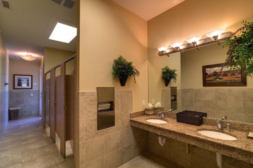 OH_Clubhouse_Bathroom.jpg