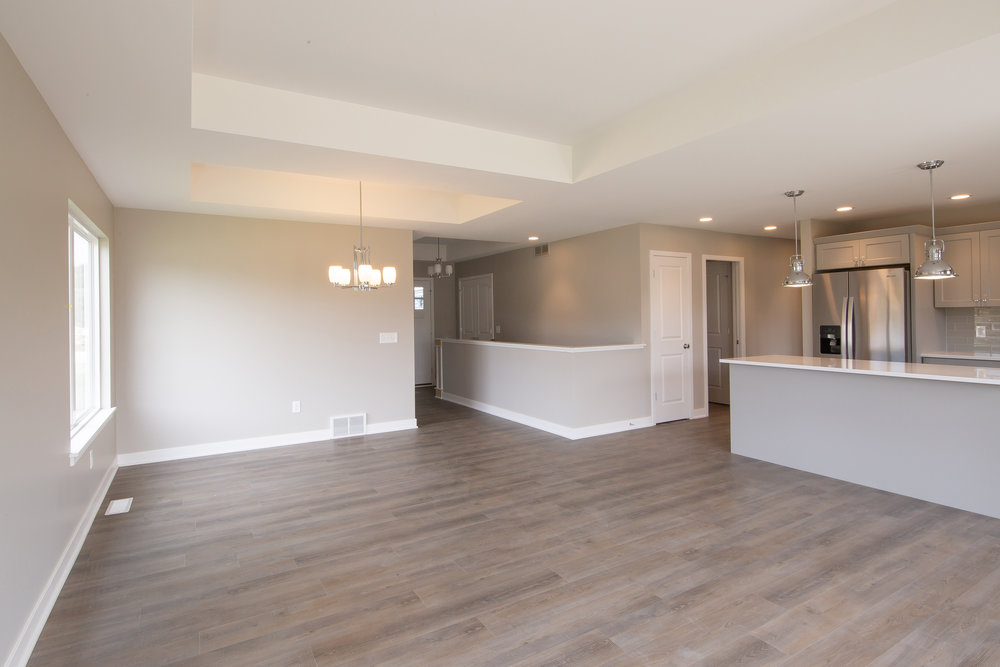 9-28-2018_WW_99-Dining_Wood floors.JPG