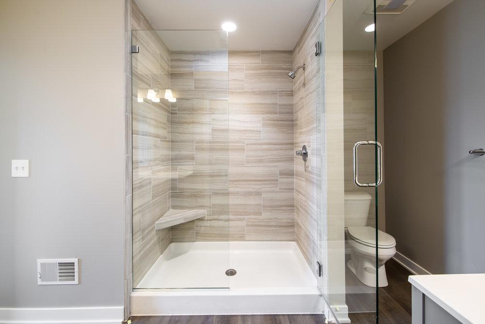 9-28-2018_WW_99-Master bath_Shower tile.JPG