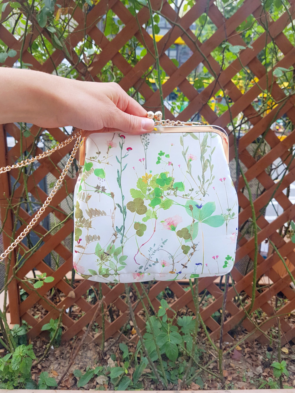 Ivana Helsinki Herbario purse.