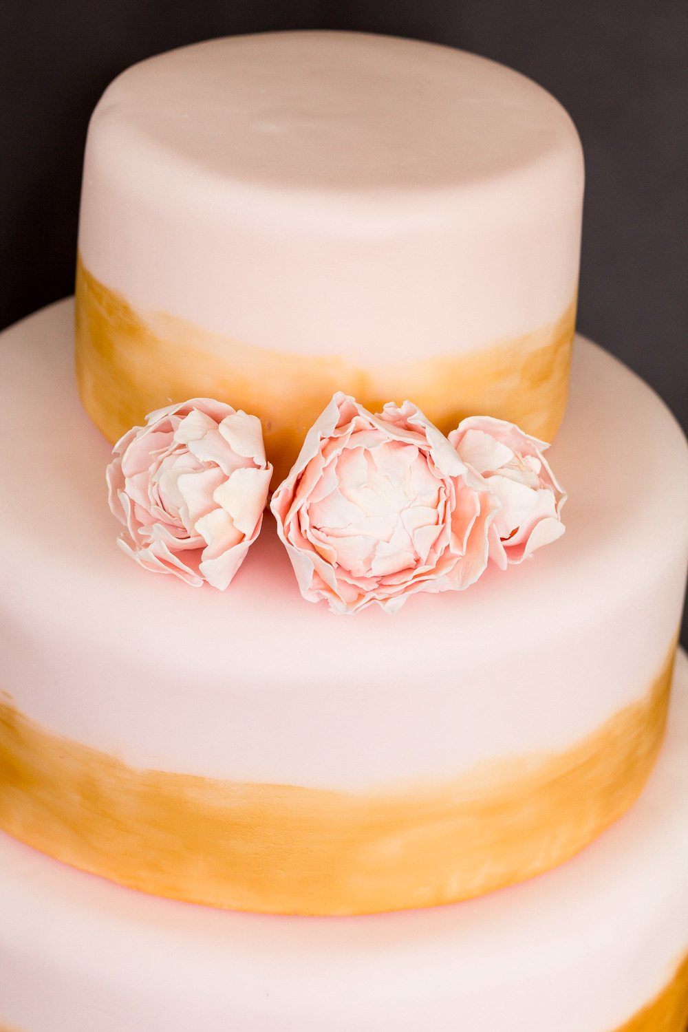Wedding Cake3 - Bluch Pink and Gold Cake.jpg