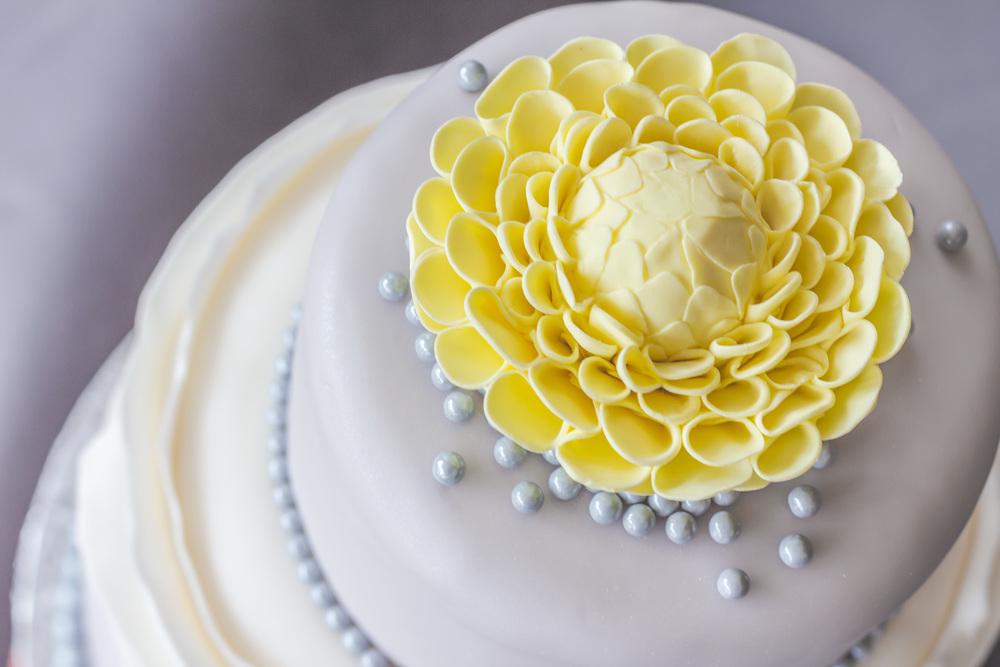 Wedding Cake4 - Dahlia Cake.jpg