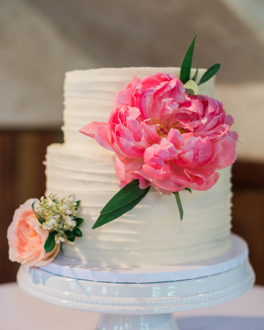 buttercream with fresh flowers3.jpg