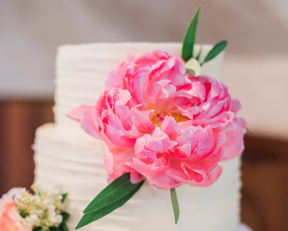 buttercream with fresh flowers4.jpg