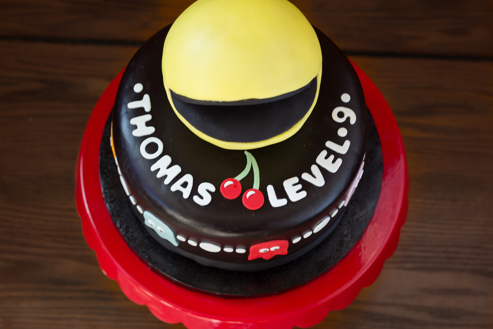 pacman cake.jpg