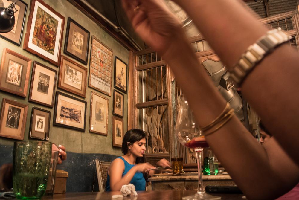girlEatingAtRestaurant.jpg