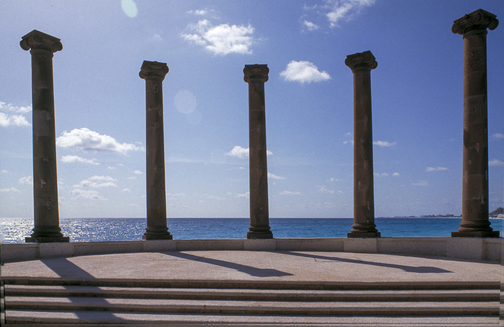 columns in cancun.jpg