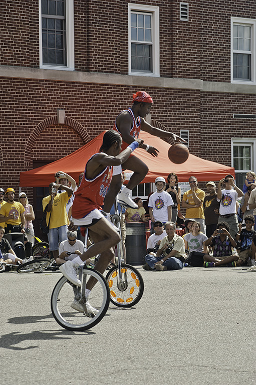 uniCyclists1800.jpg