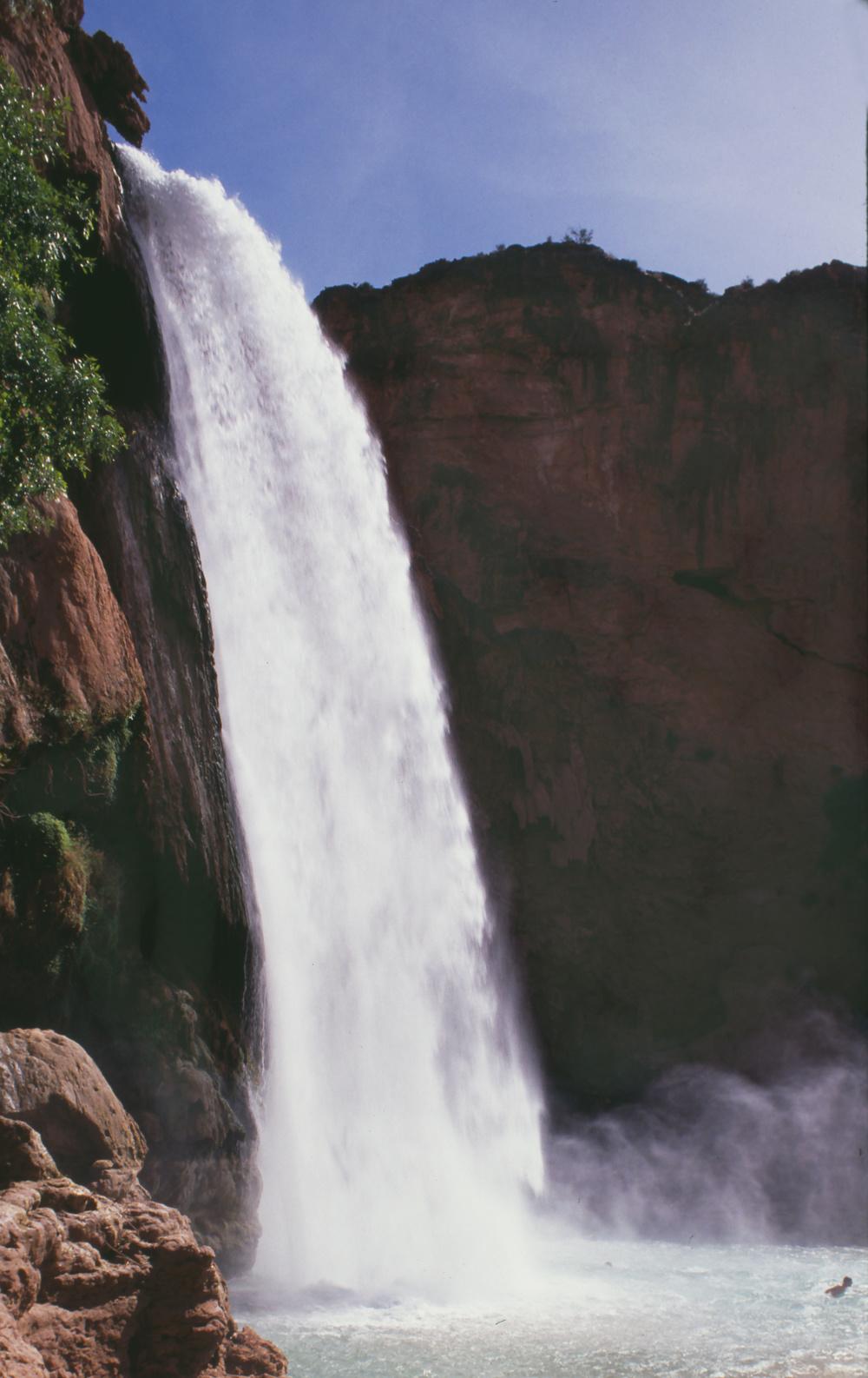 Havasu-falls-side-view-copy.jpg
