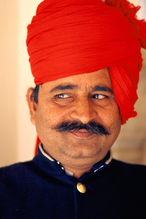 RED-TURBAN-EYE-LEFT-copy-----.jpg