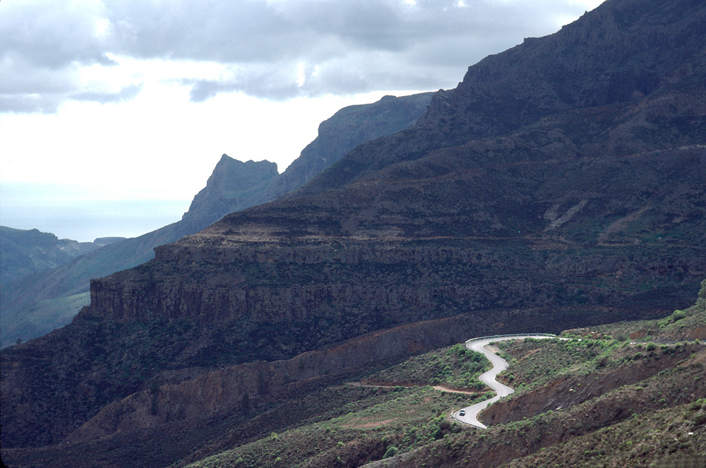 SERPENTINE-ROAD-TENERIFE-copy.jpg