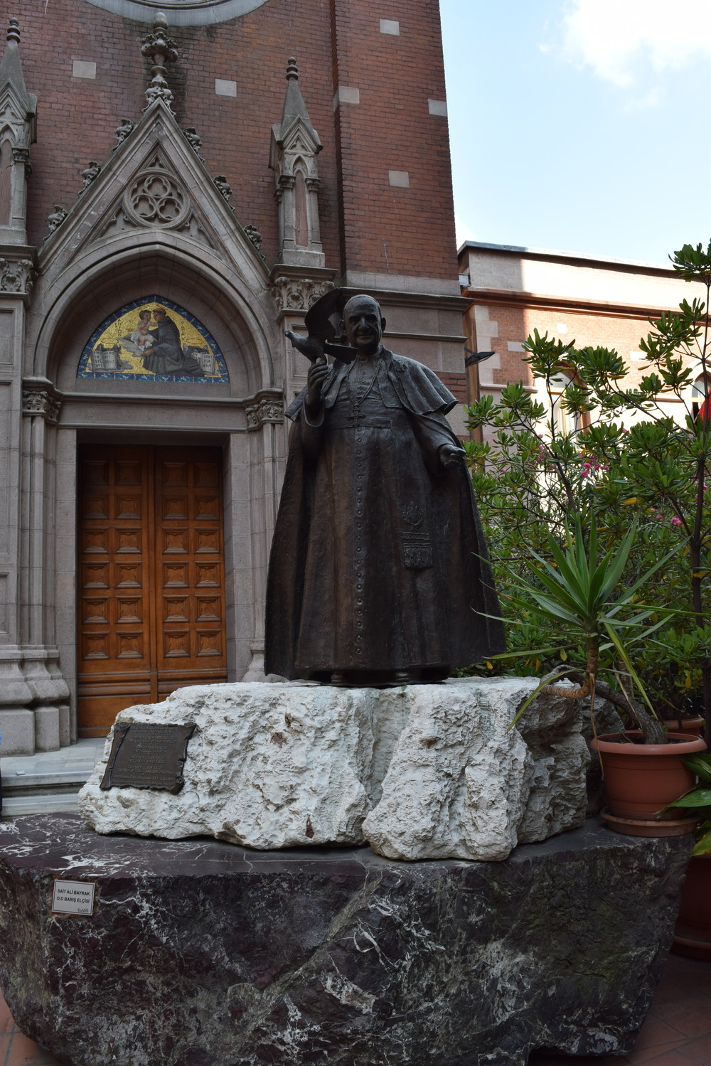 Statue of Pope John XXIII