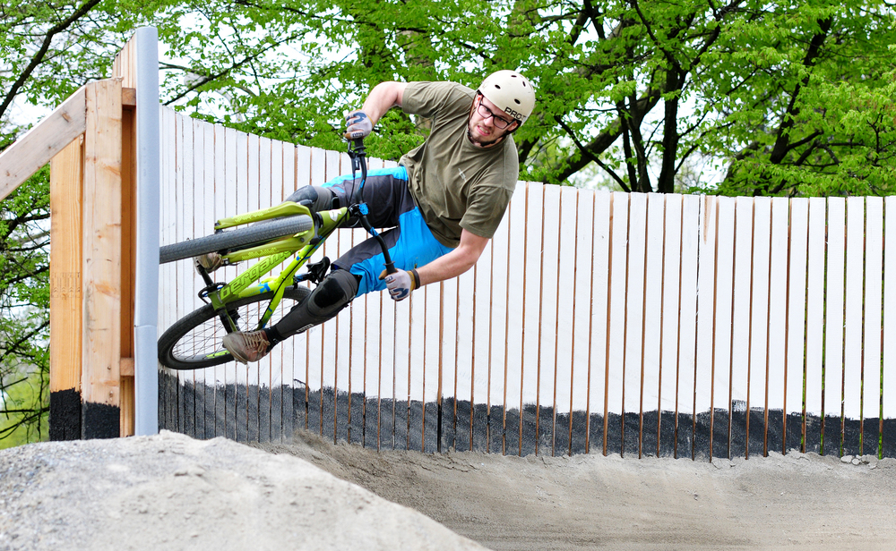 Wallride im Pumptrack