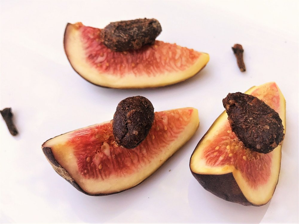 Good King Gourmet Snacking Cacao Love and Fresh Figs