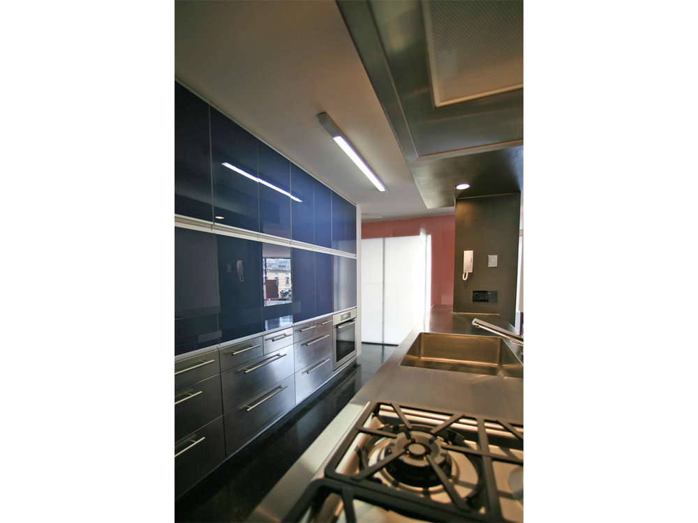 Kitchen copy.jpg