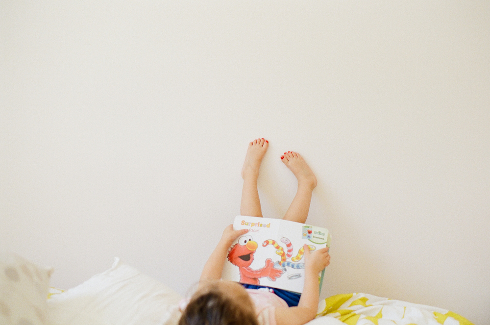 little girl reading | washington DC family photographer