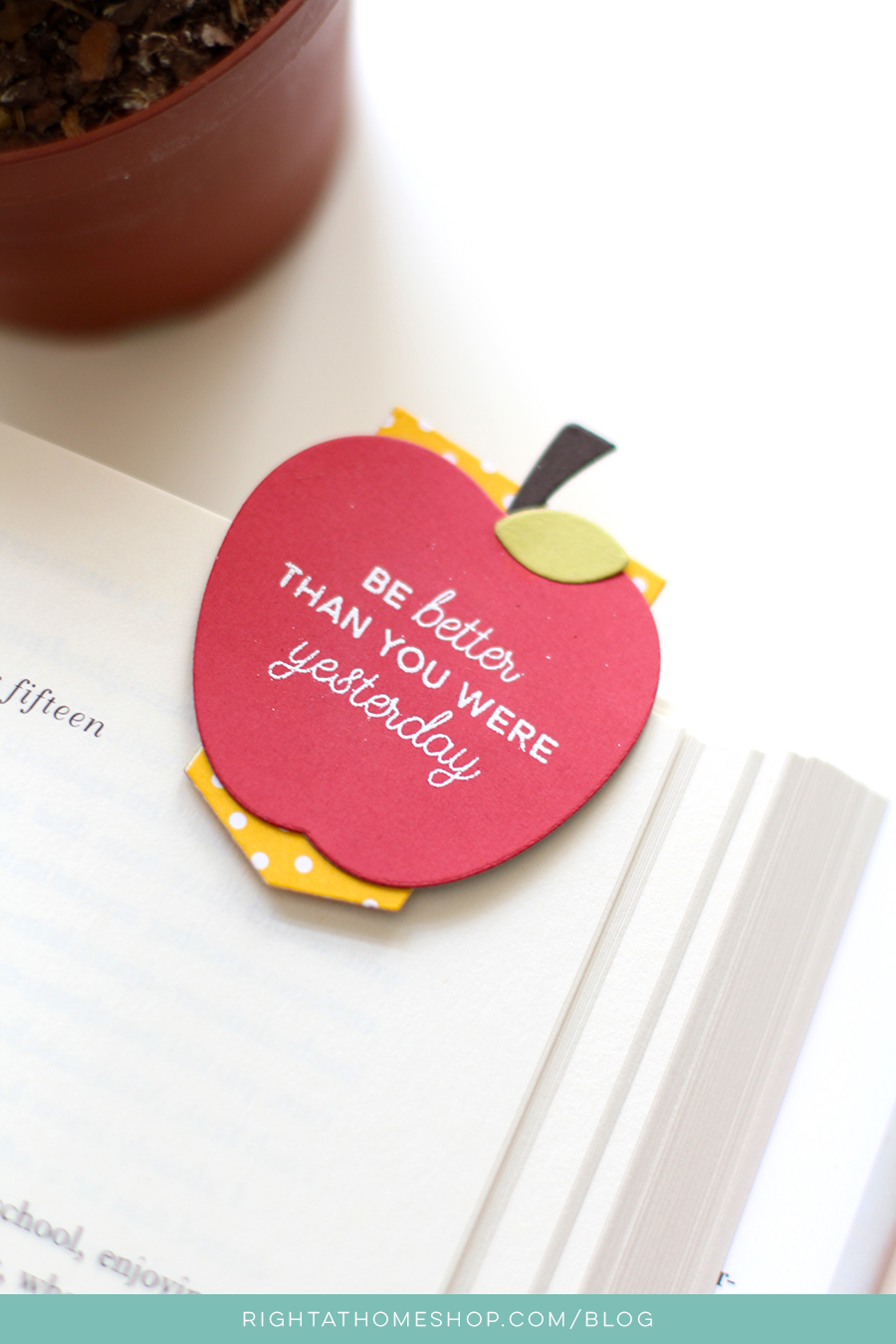 DIY Teacher Apple Bookmarks // Back to School with Right at Home - rightathomeshop.com/blog