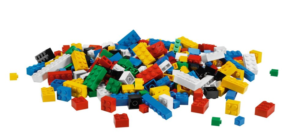 LEGO Pieces Will Become Sustainable by 2030 | Mental Floss