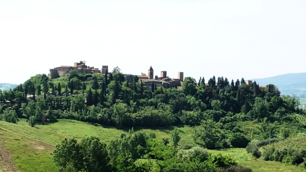 This is Certaldo,a small 900 year old village somewhere between Florence and Siena where much of what I am sharing with you in this post was born. We spent 4 nights and 5 transforming days here. I took this photo from a dirt road that winds up to it.