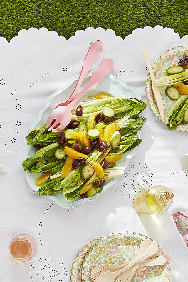 gallery-1490887397-recipes-orange-olive-romaine-salad.jpg