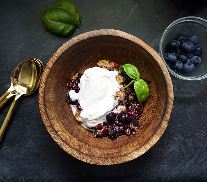 blueberry basil crisp