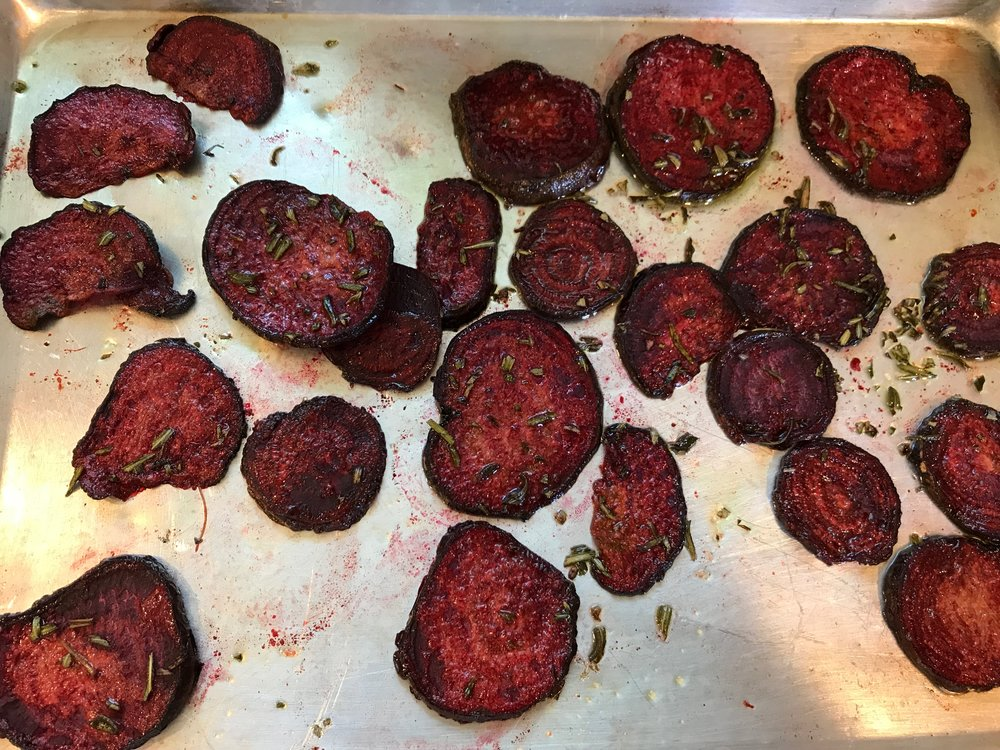 Beet chips with rosemary