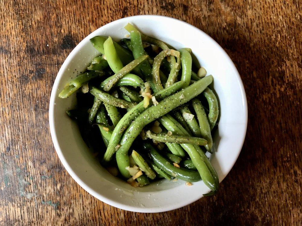 Sauteed Green Bean with Lemon and Garlic