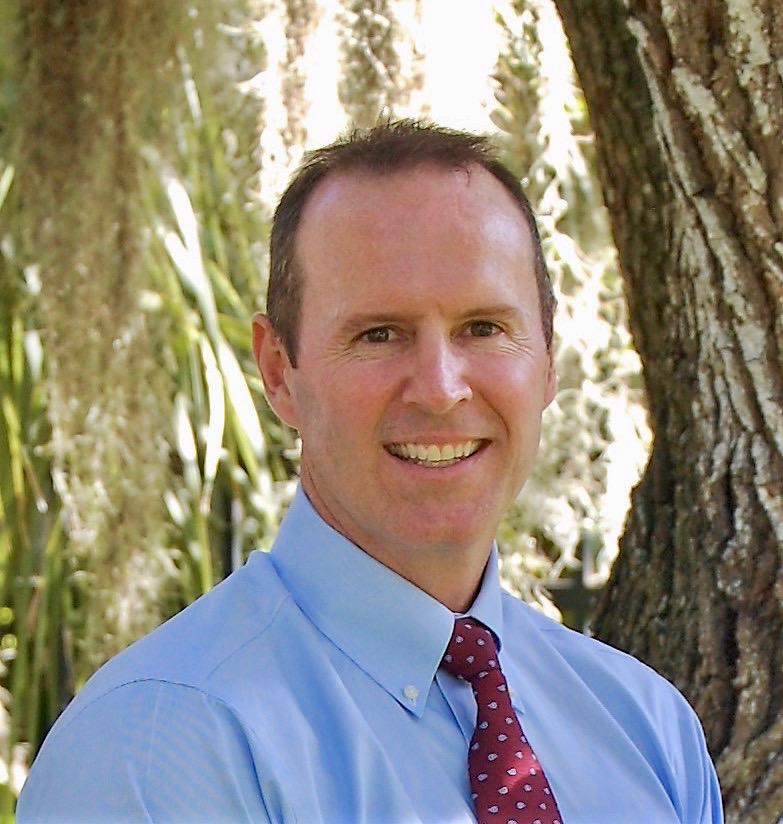 Dan Gilmore Headshot.jpg