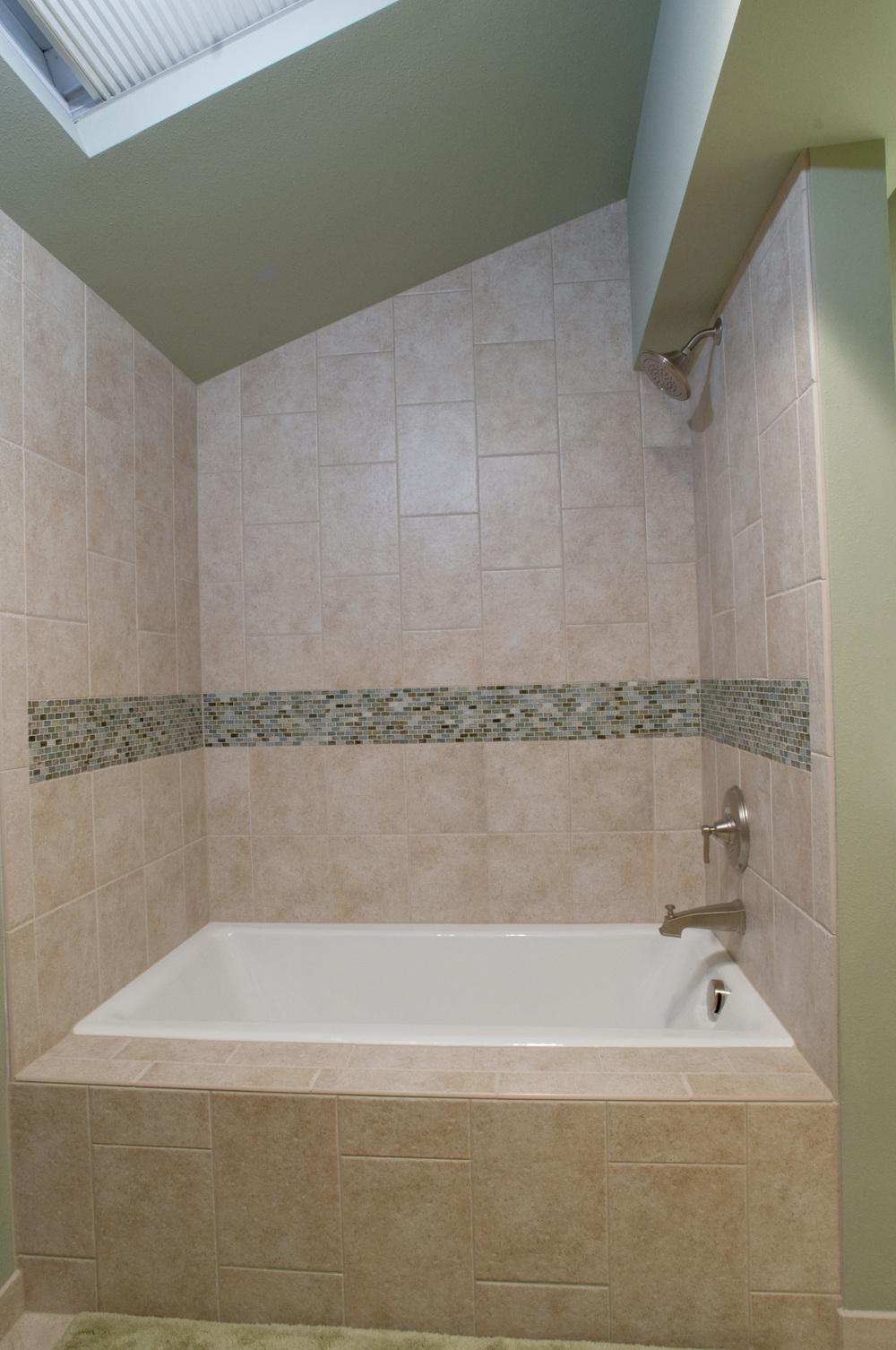After: New Extra deep soak tub outside Sauna room