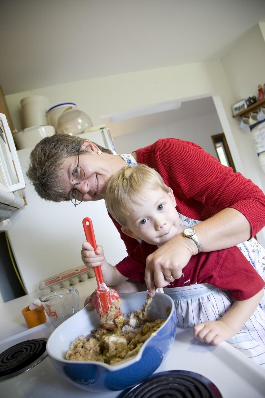 Aunt and nephew_10004606_M.jpg