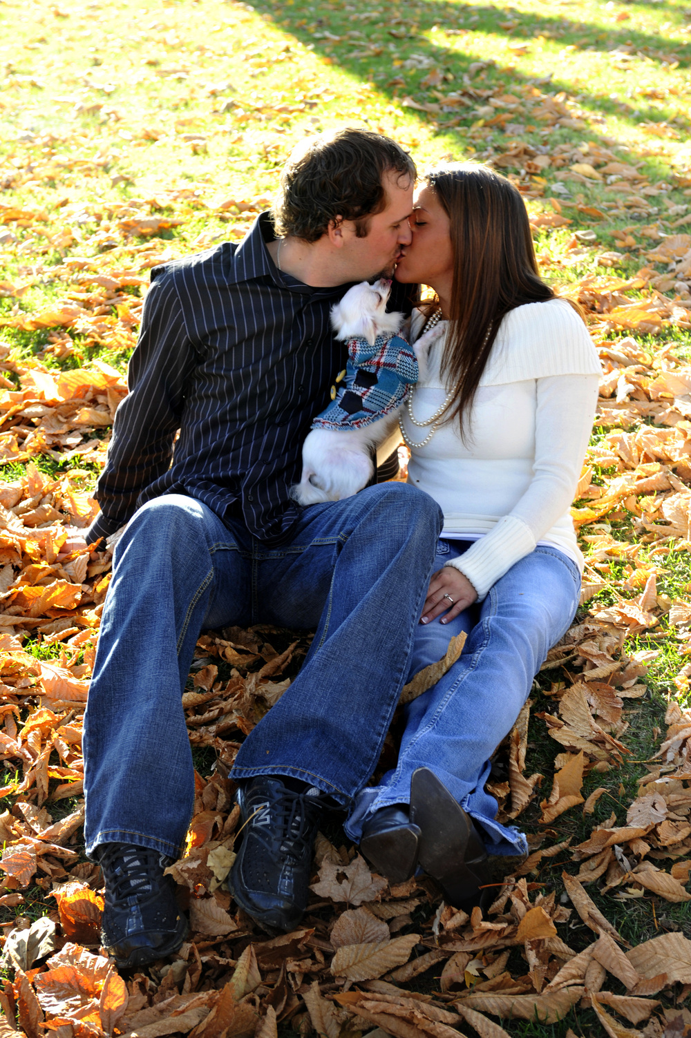 Couple kissing_12563632_Subscription_L.jpg