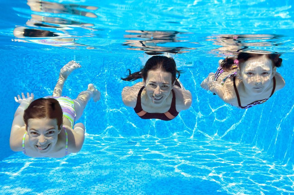 Family swim_53848150_Subscription_Monthly_M.jpg